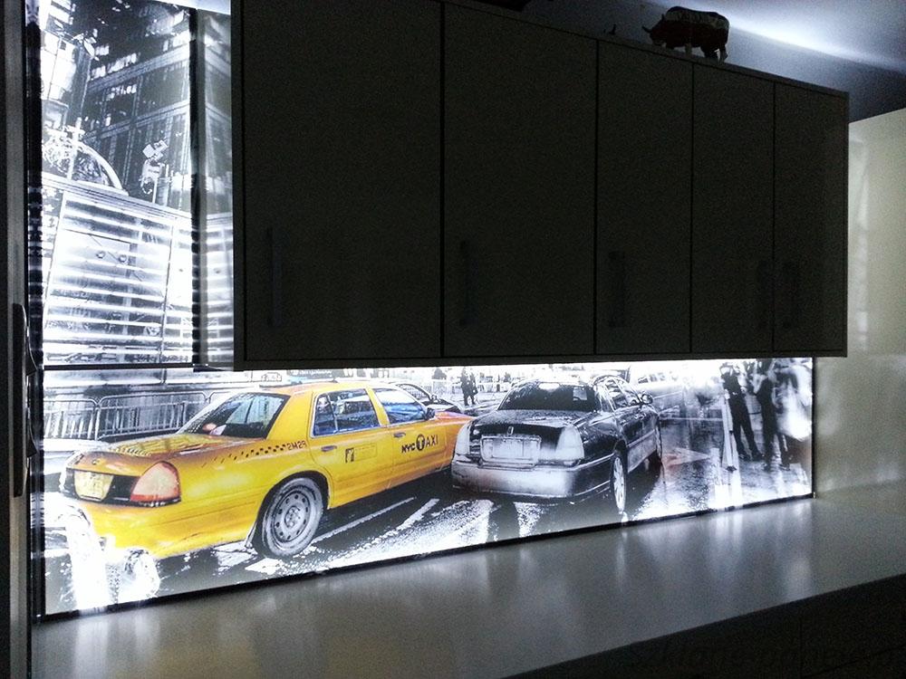 Panel szklany podświetlany taxi