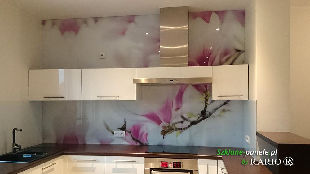 Panel szklany - kwitnąca magnolia
